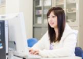 医療情報の電子化が進む医療機関において、それに対応できる医療事務職の人材を育成します。